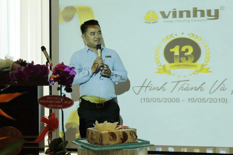 Anh Nguyễn Đức Thuận - Sale Manager, đại diện CNBV VIN HY phát biểu.